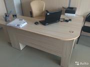 Офисные столы диваны